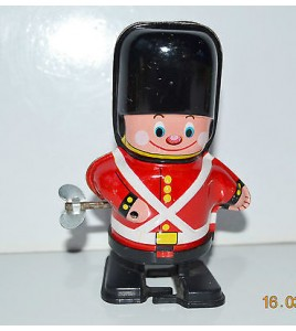FIGURINE WIND UP EN TOLE - SOLDAT GARDE ANGLAIS JAPAN TIN TOY (10x7cm)
