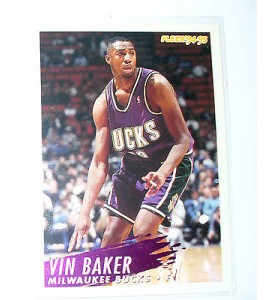 CARTE  NBA BASKET BALL 1995  PLAYER CARDS VIN BAKER (127)
