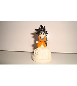 FIGURINE DRAGON BALL Z SANGOKU GOKU AVEC NUAGE MAGIQUE (5,5x3,5cm)