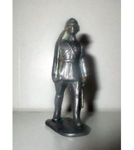 ancienne figurine quiralu metal n°2 soldat militaire (6x3cm)